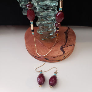 Jewelry - Maroon long necklace and earring set